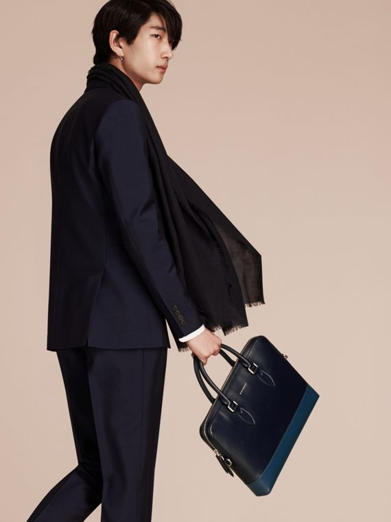 Dark navy/mineral blue The Slim Barrow in Panelled London Leather Dark Navy/mineral Blue - cell image 2
