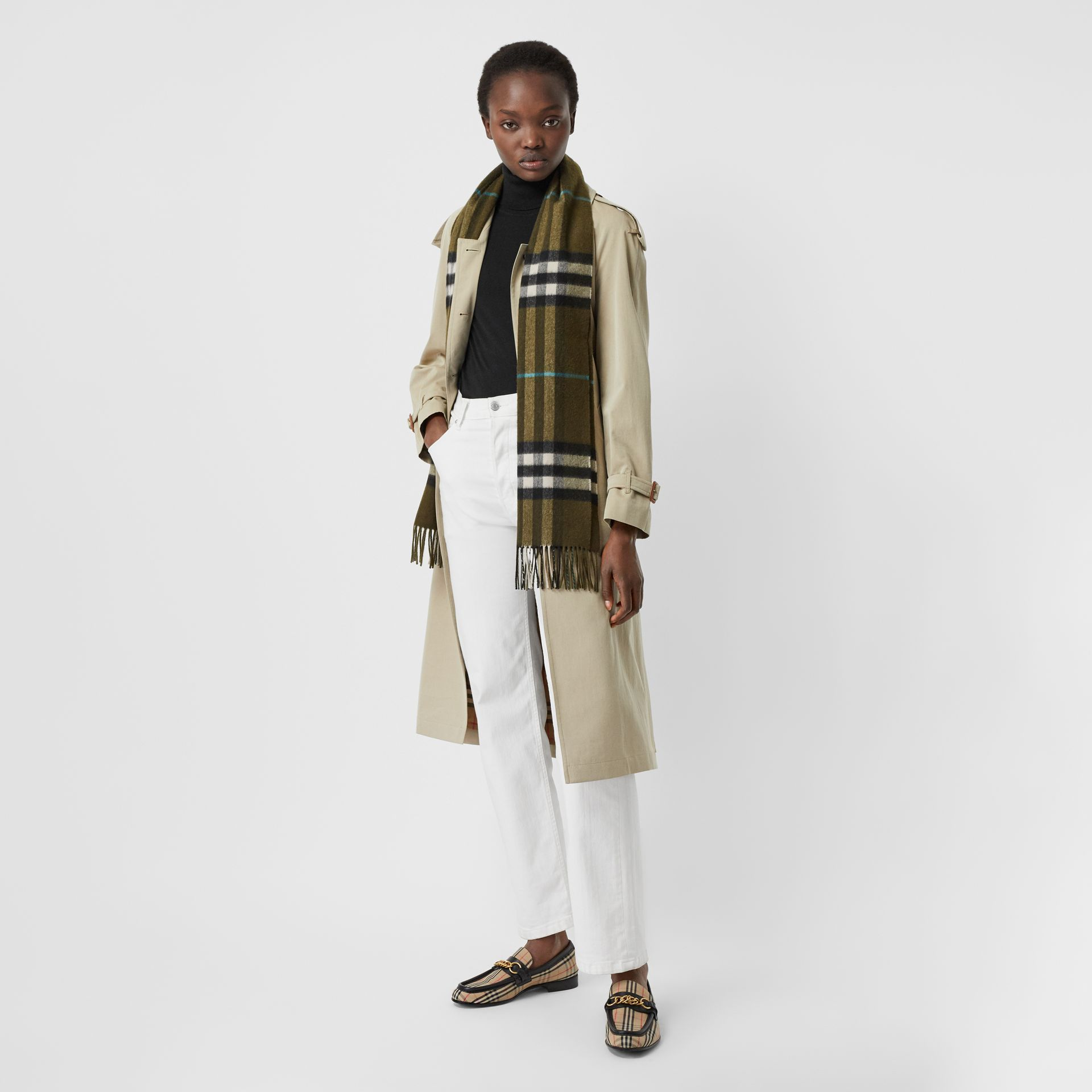 The Classic Check Cashmere Scarf in Antique Green | Burberry Canada - gallery image 2