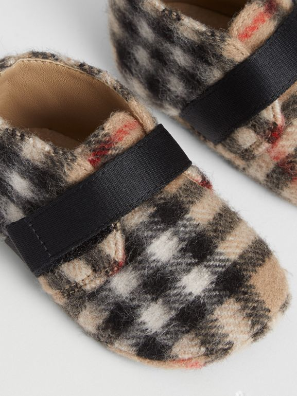 Vintage Check Wool Shoes in Archive Beige - Children | Burberry United Kingdom - cell image 1