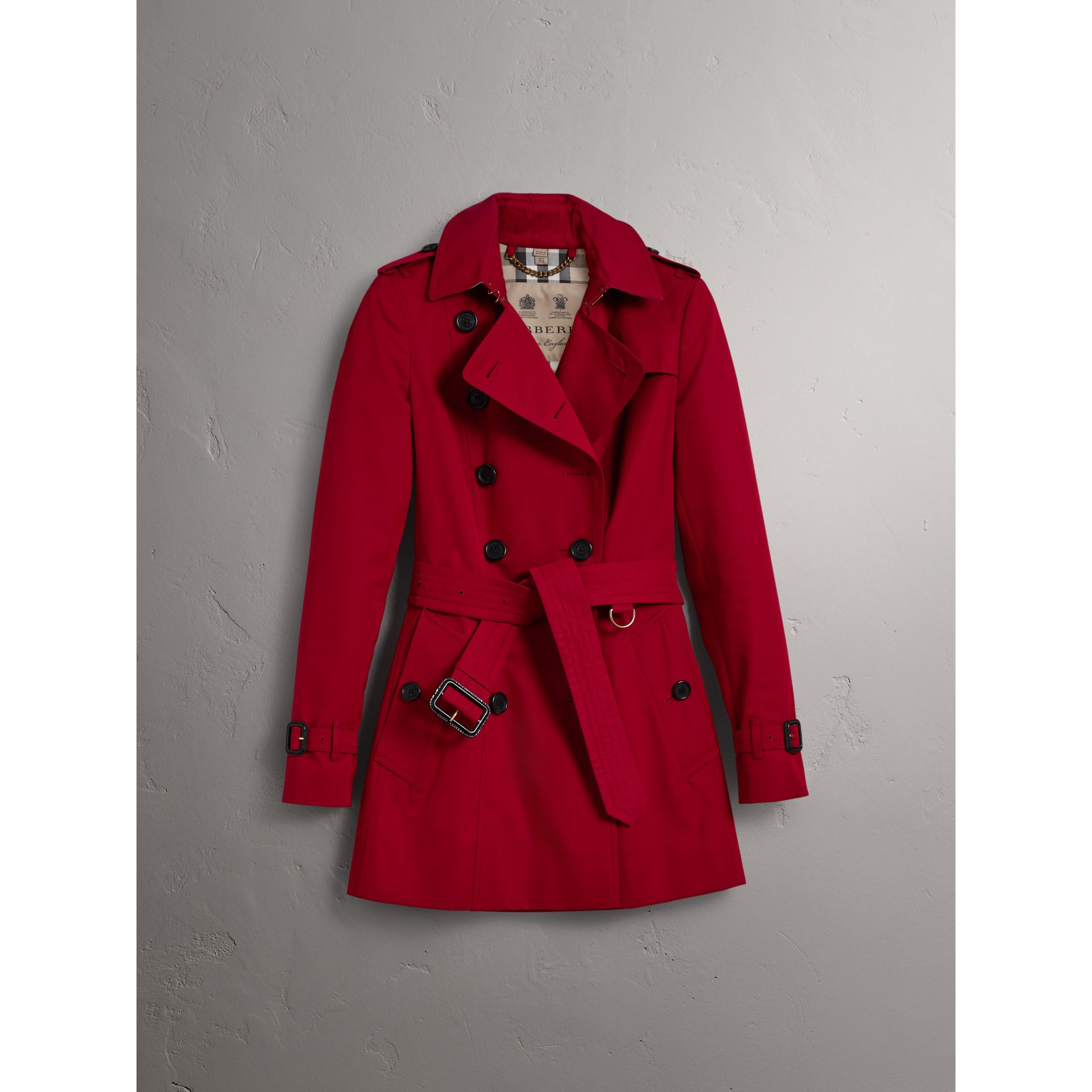 The Chelsea – Short Trench Coat in Parade Red - Women | Burberry Australia - gallery image 4