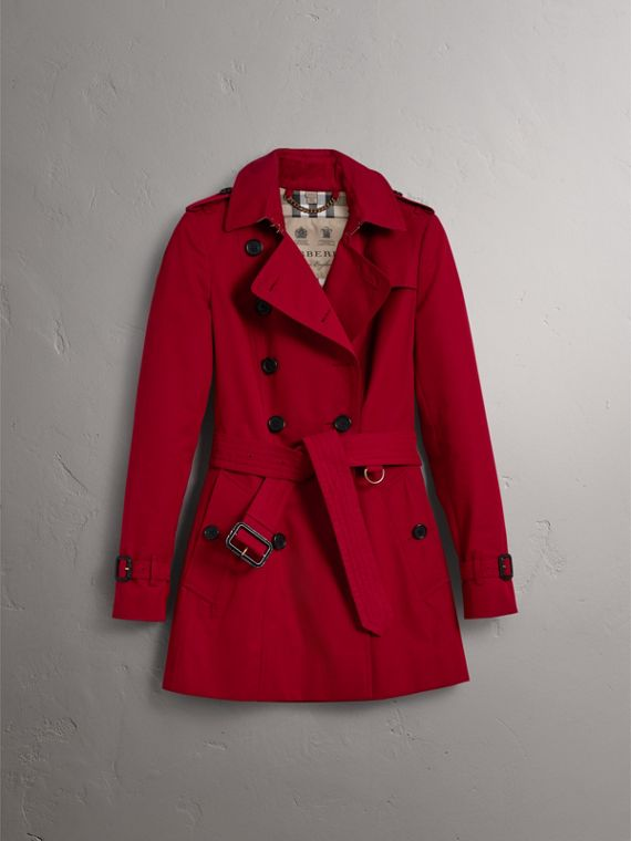 The Chelsea – Short Trench Coat in Parade Red - Women | Burberry Australia - cell image 3