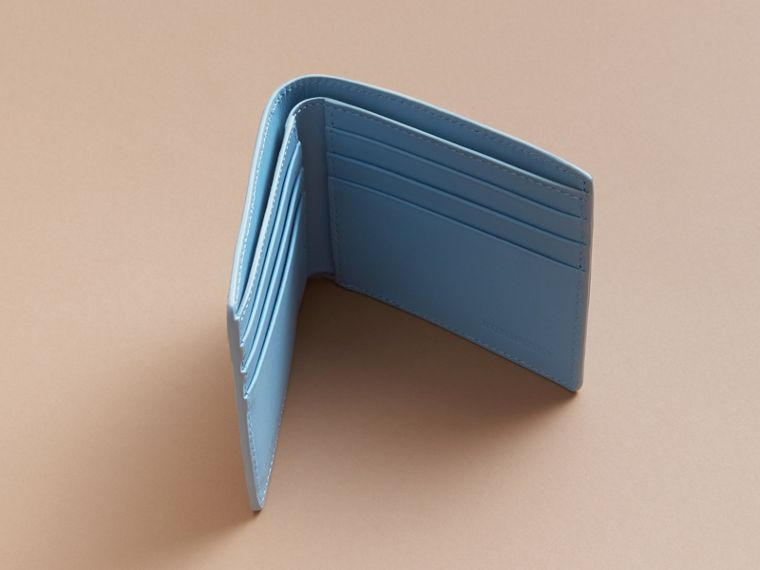 London Leather Bifold Wallet in Powder Blue - cell image 4