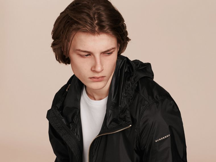 Black Ultra-lightweight Jacket with Hood - cell image 4