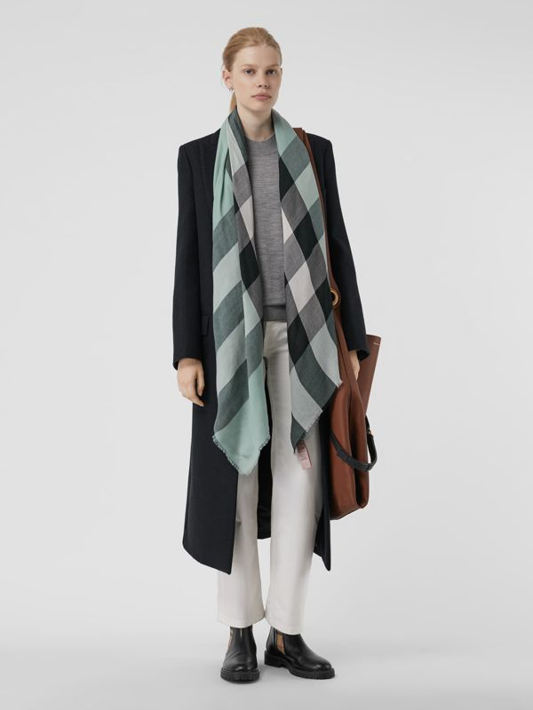 Lightweight Check Cashmere Scarf in Dusty Mint | Burberry - cell image 2