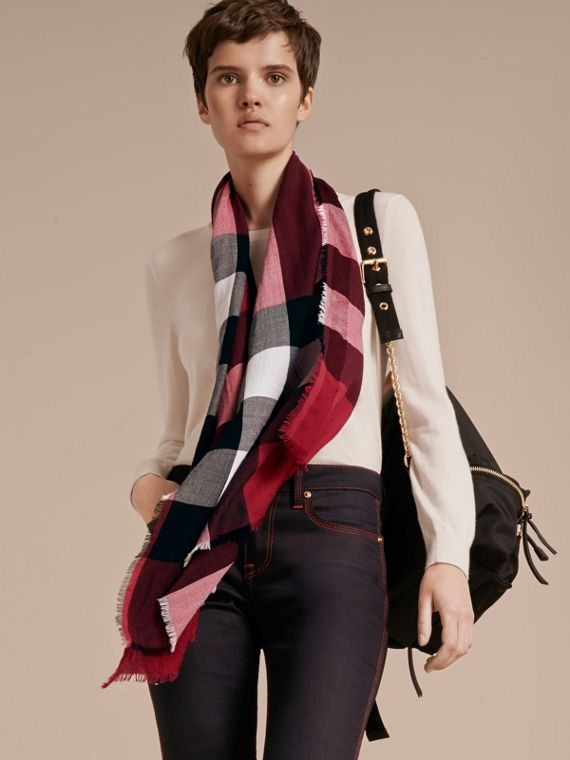 The Lightweight Cashmere Scarf in Check in Fuchsia Pink - cell image 2