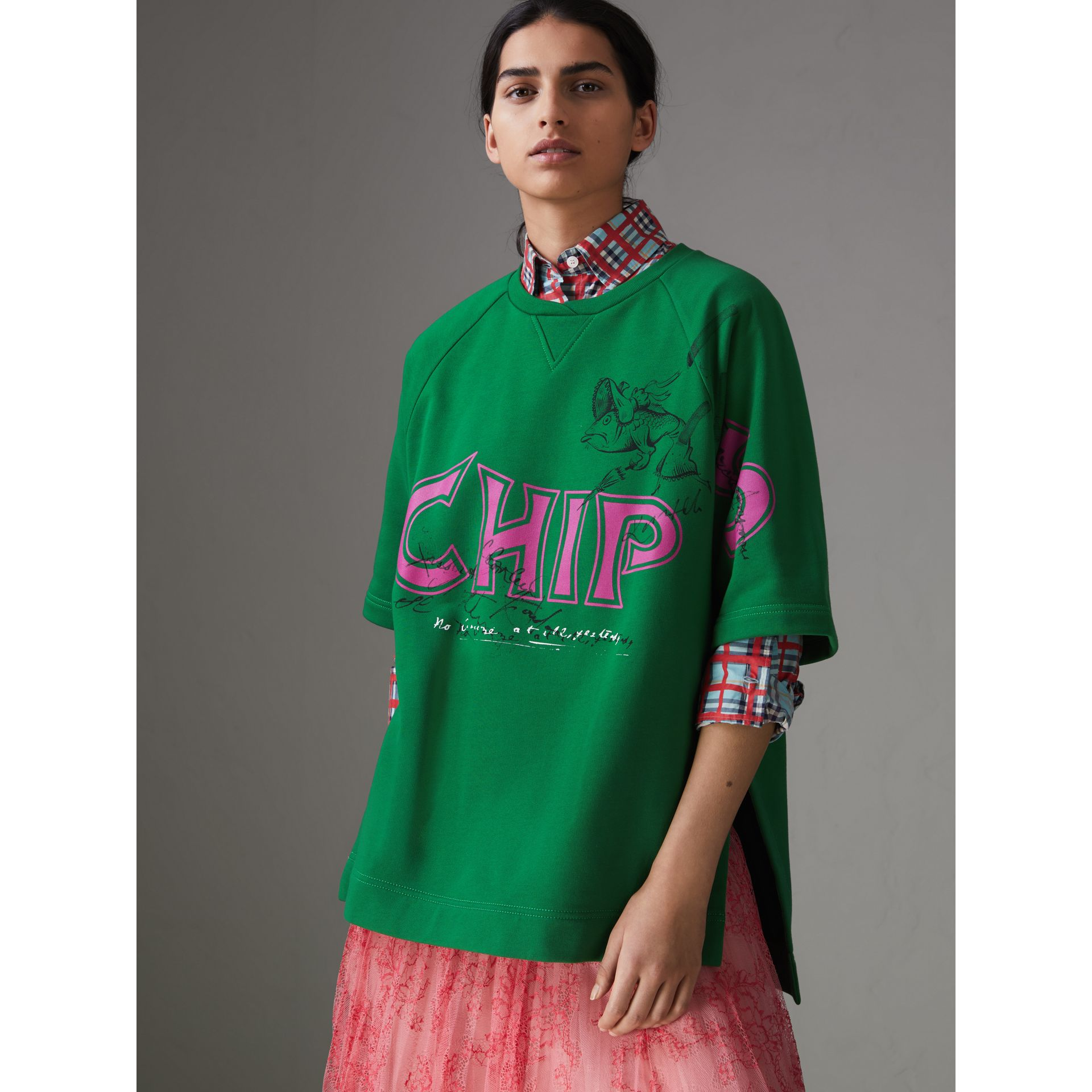 Fish and Chips Print Cotton Sweatshirt in Pigment Green - Women | Burberry Australia - gallery image 4