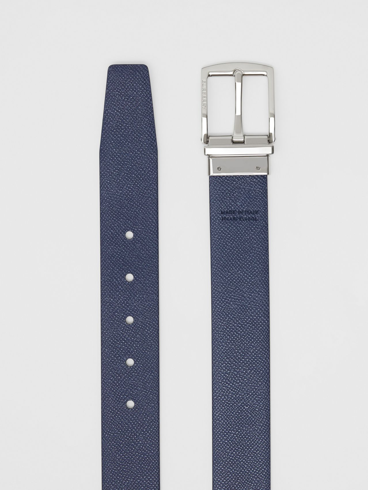 Reversible Grainy Leather Belt in Black/navy