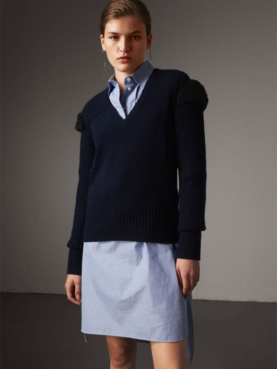 Shearling Trim Ribbed Wool Cashmere Sweater in Navy