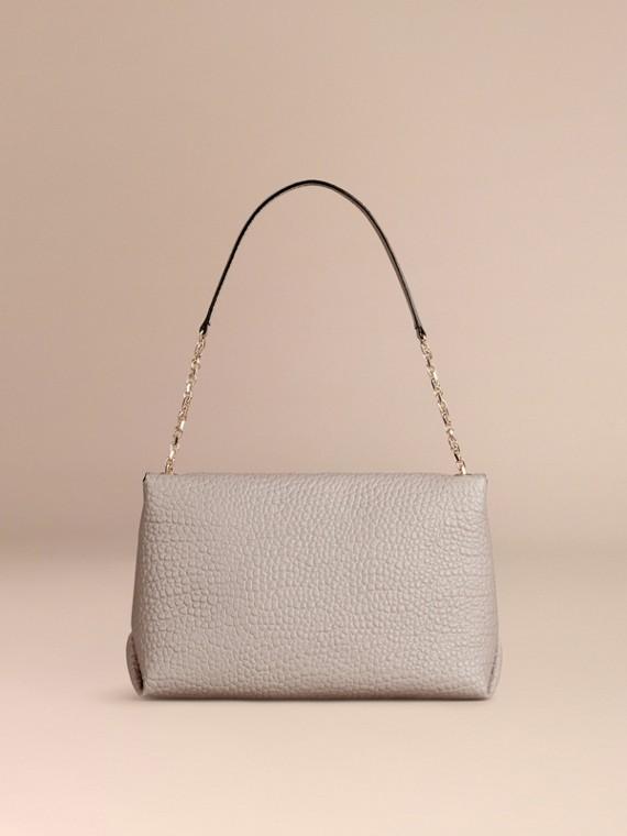 Бледно-серый Большая сумка через плечо из зернистой кожи в стиле Burberry Бледно-серый - cell image 3
