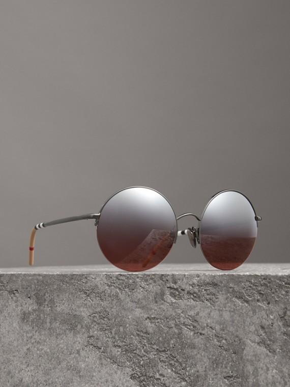Óculos de sol com armação redonda e lentes espelhadas (Borgonha)