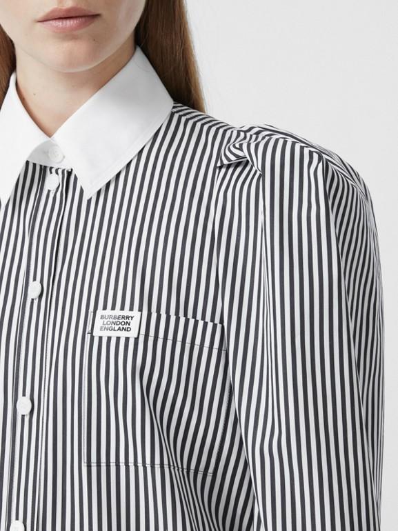 Vestido estilo camisa de popeline de algodão listrado com etiqueta de logotipo (Preto) - Mulheres | Burberry - cell image 1