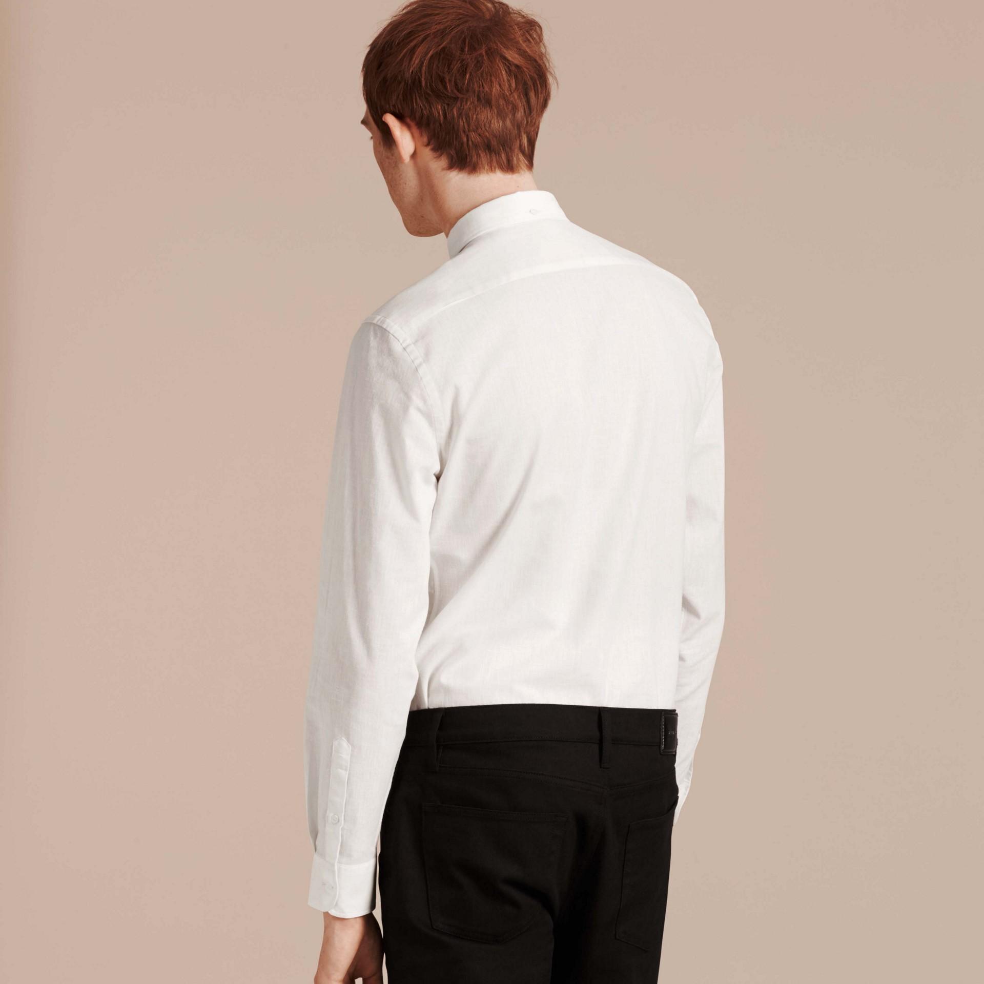 Weiss Hemd aus Baumwolle und Leinen mit Button-down-Kragen Weiss - Galerie-Bild 2