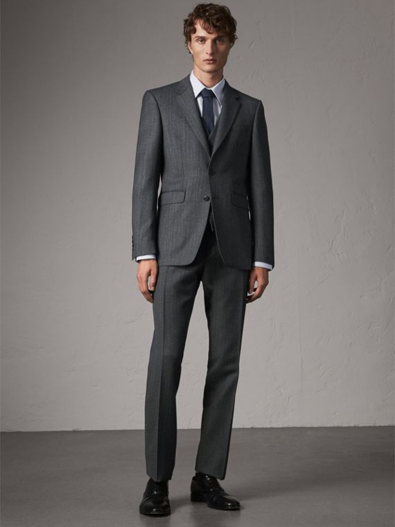 Modern Fit Wool Part-canvas Three-piece Suit in Charcoal