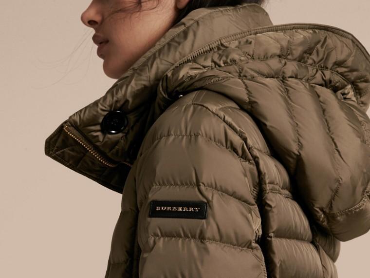 Parka aderente imbottito con finitura in pelliccia - Donna | Burberry - cell image 4