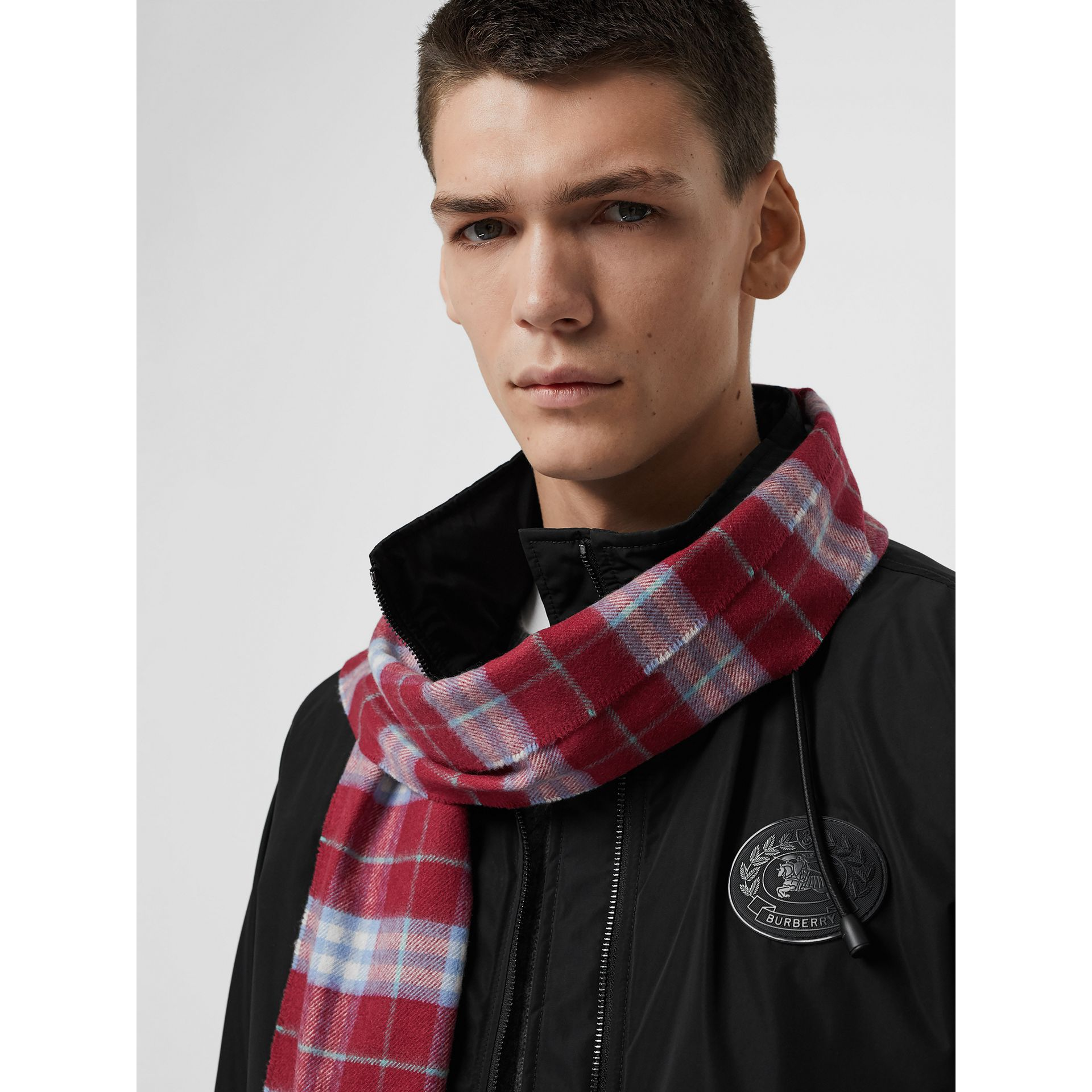 The Classic Vintage Check Cashmere Scarf in Damson Pink | Burberry United Kingdom - gallery image 6