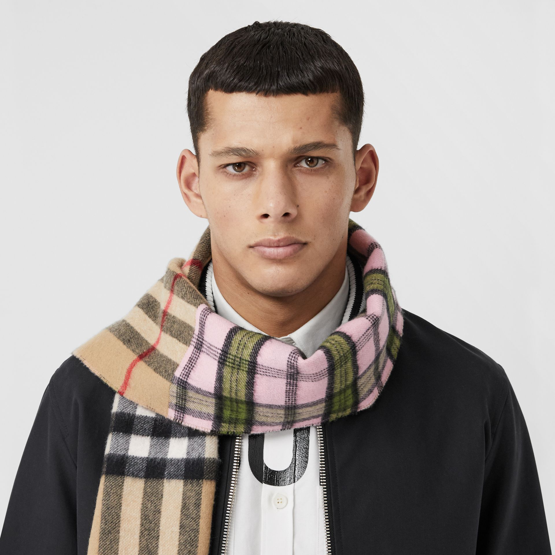 Contrast Check Cashmere Merino Wool Jacquard Scarf in Candy Pink | Burberry United States - gallery image 3