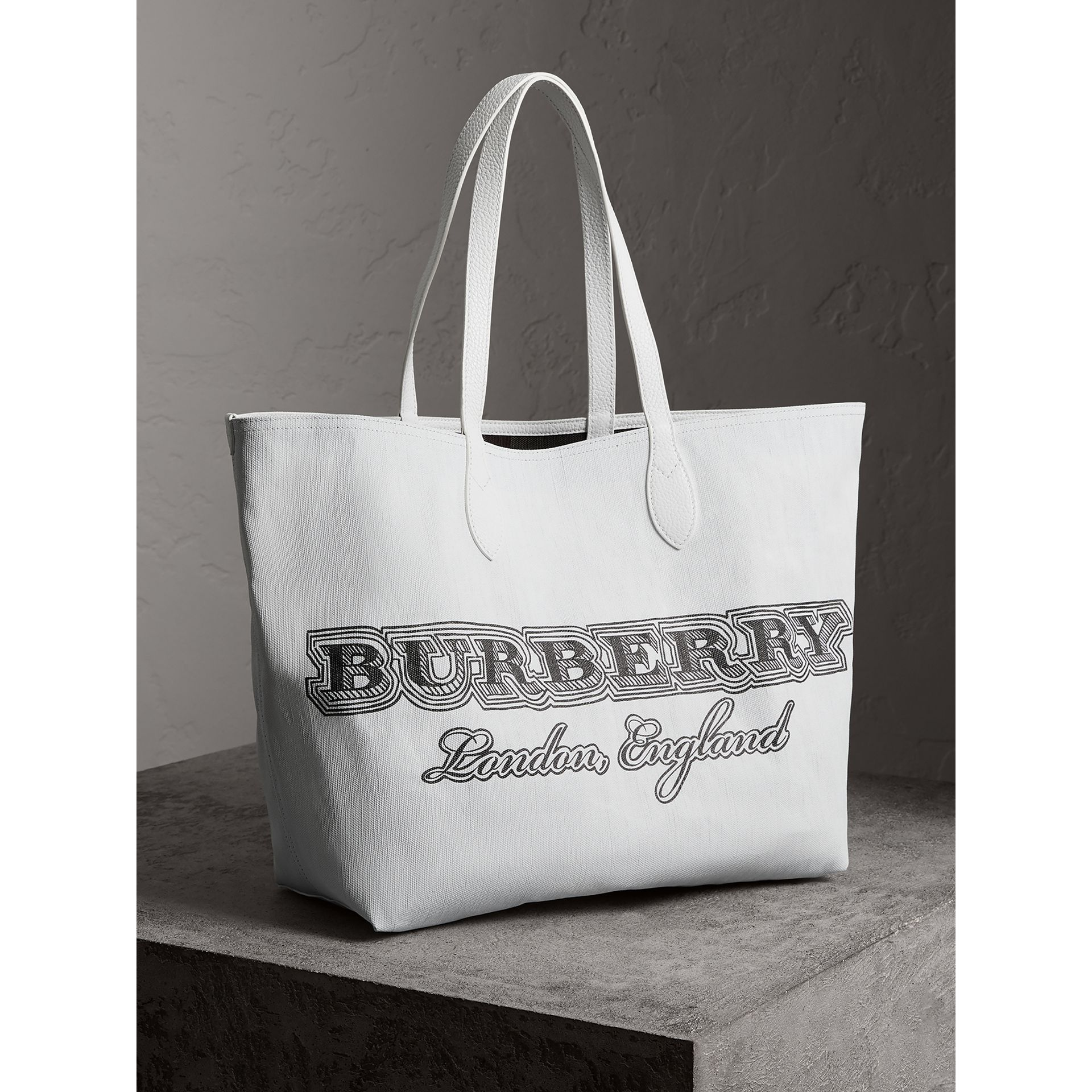 The Large Reversible Doodle Tote in White - Women | Burberry - gallery image 9