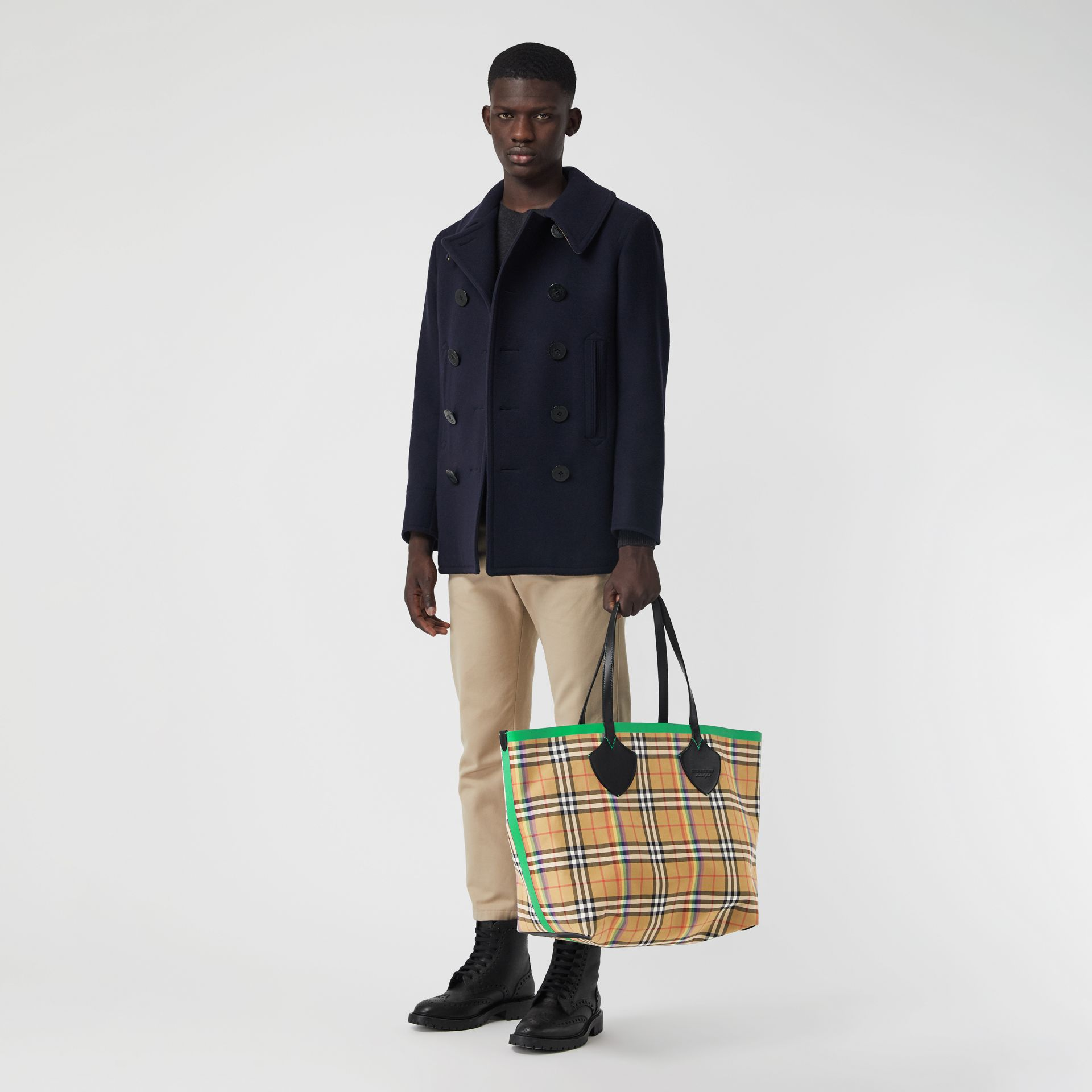 The Giant Tote in Rainbow Vintage Check in Antique Yellow | Burberry - gallery image 2
