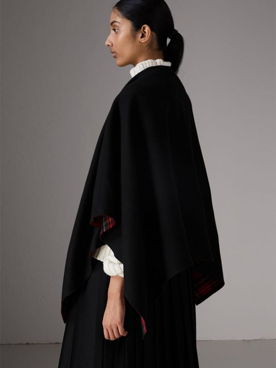 Reversible Cropped Tartan Wool Poncho in Black | Burberry Singapore - cell image 2