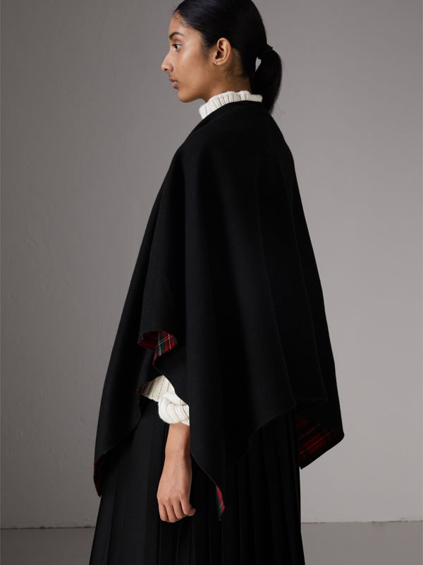 Reversible Cropped Tartan Wool Poncho in Black | Burberry - cell image 2