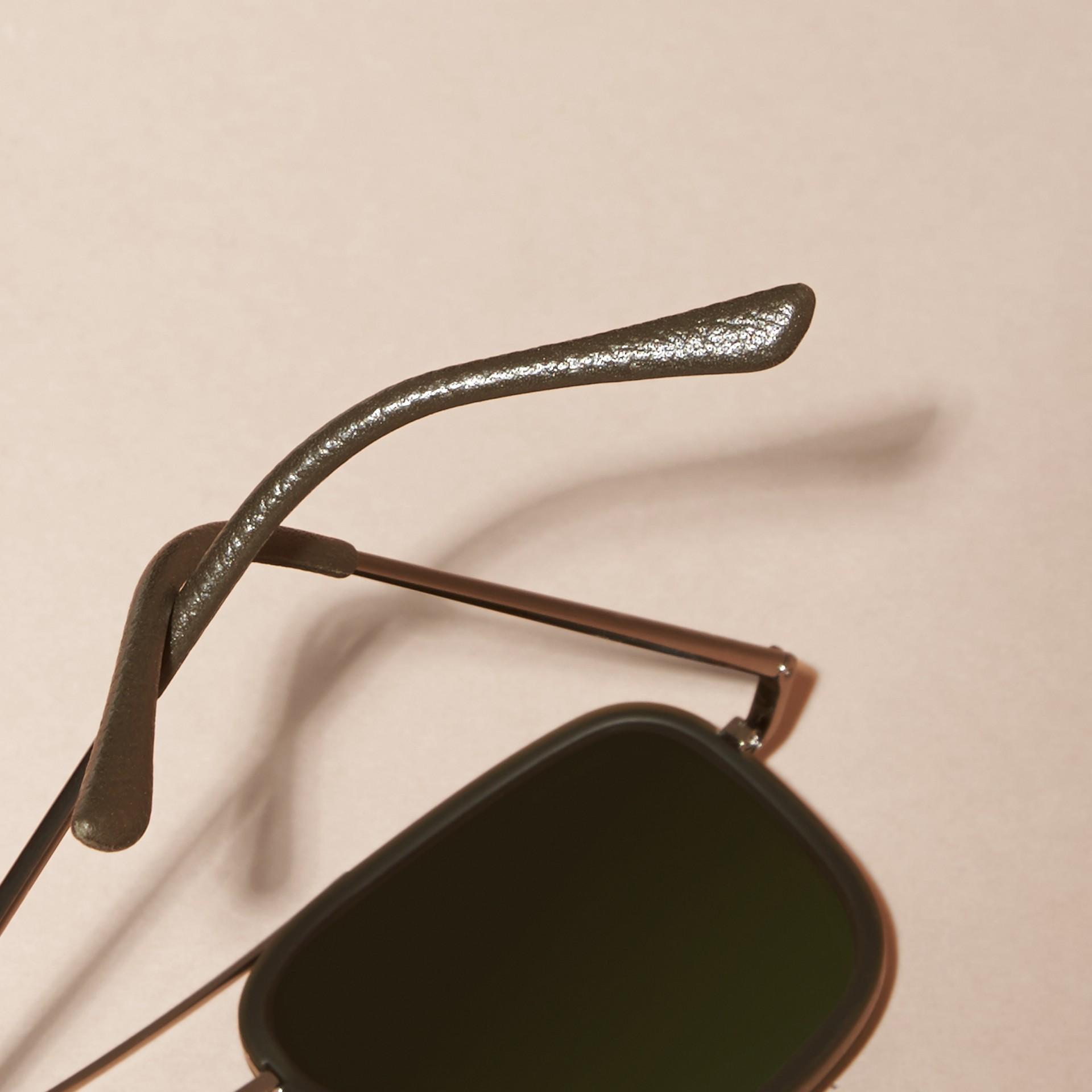Grigio Occhiali da sole con montatura squadrata in acetato e pelle Grigio - immagine della galleria 4