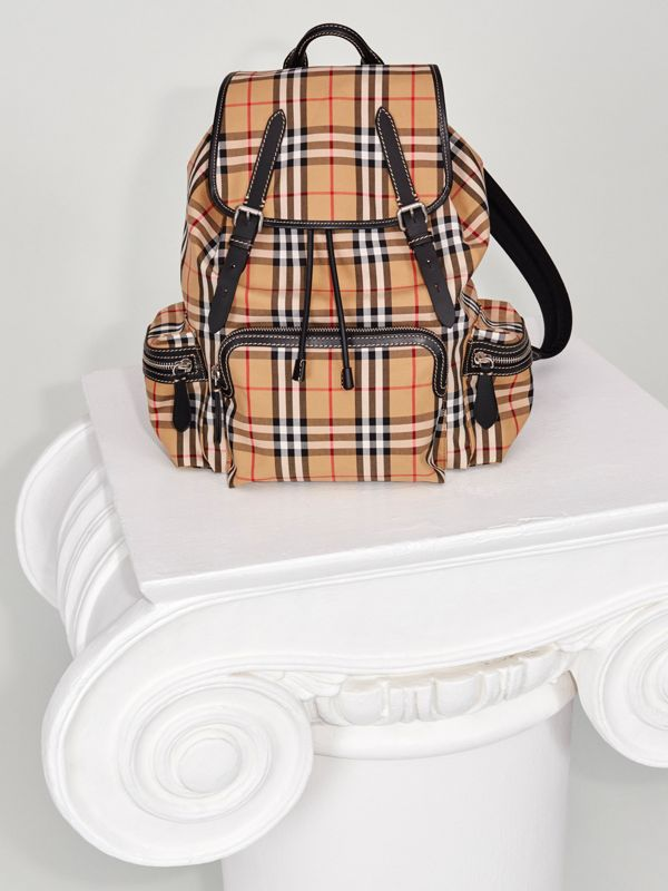 The Large Rucksack in Vintage Check in Antique Yellow | Burberry Hong Kong - cell image 3