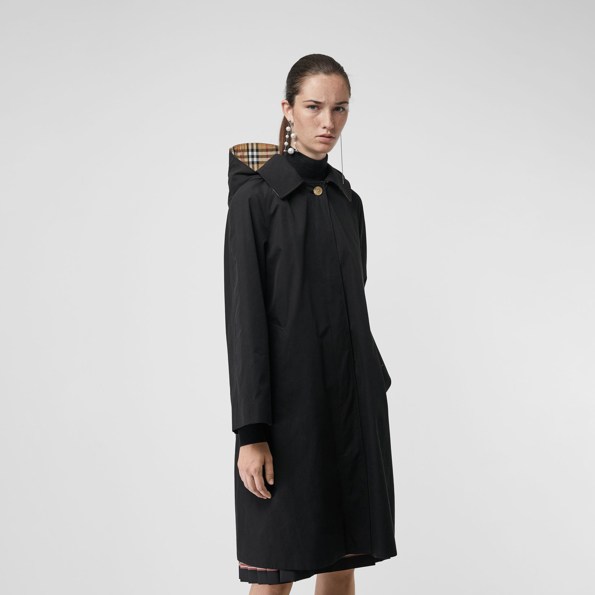 Detachable Hood Tropical Gabardine Car Coat in Black - Women | Burberry Hong Kong - gallery image 5
