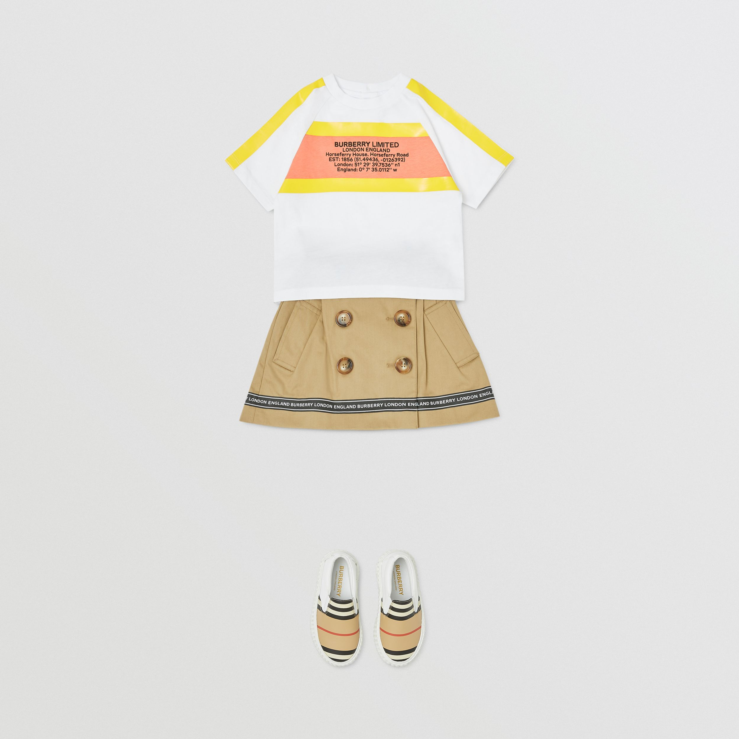 Tape Detail Location Print Cotton T-shirt in Yellow - Children | Burberry - 3