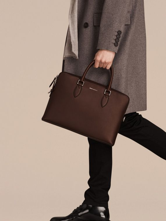 White/sepia brown The Slim Barrow Bag in Smooth Leather - cell image 2