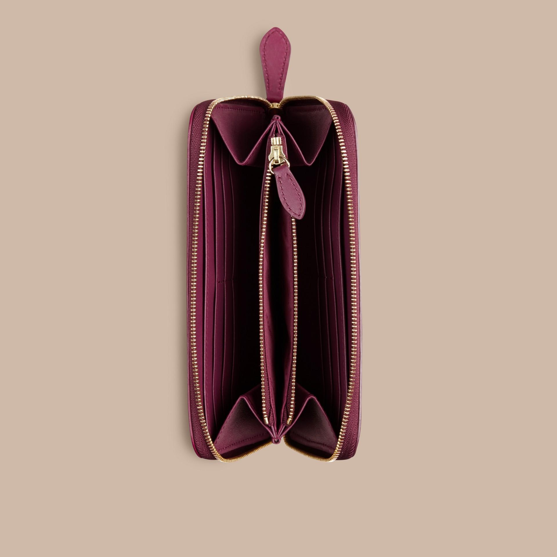 Prugna scuro Portafoglio con cerniera su tre lati con pelle e motivo Horseferry check Prugna Scuro - immagine della galleria 4