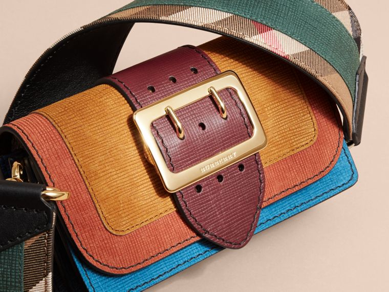 The Small Buckle Bag in Textured Leather Cognac - cell image 1