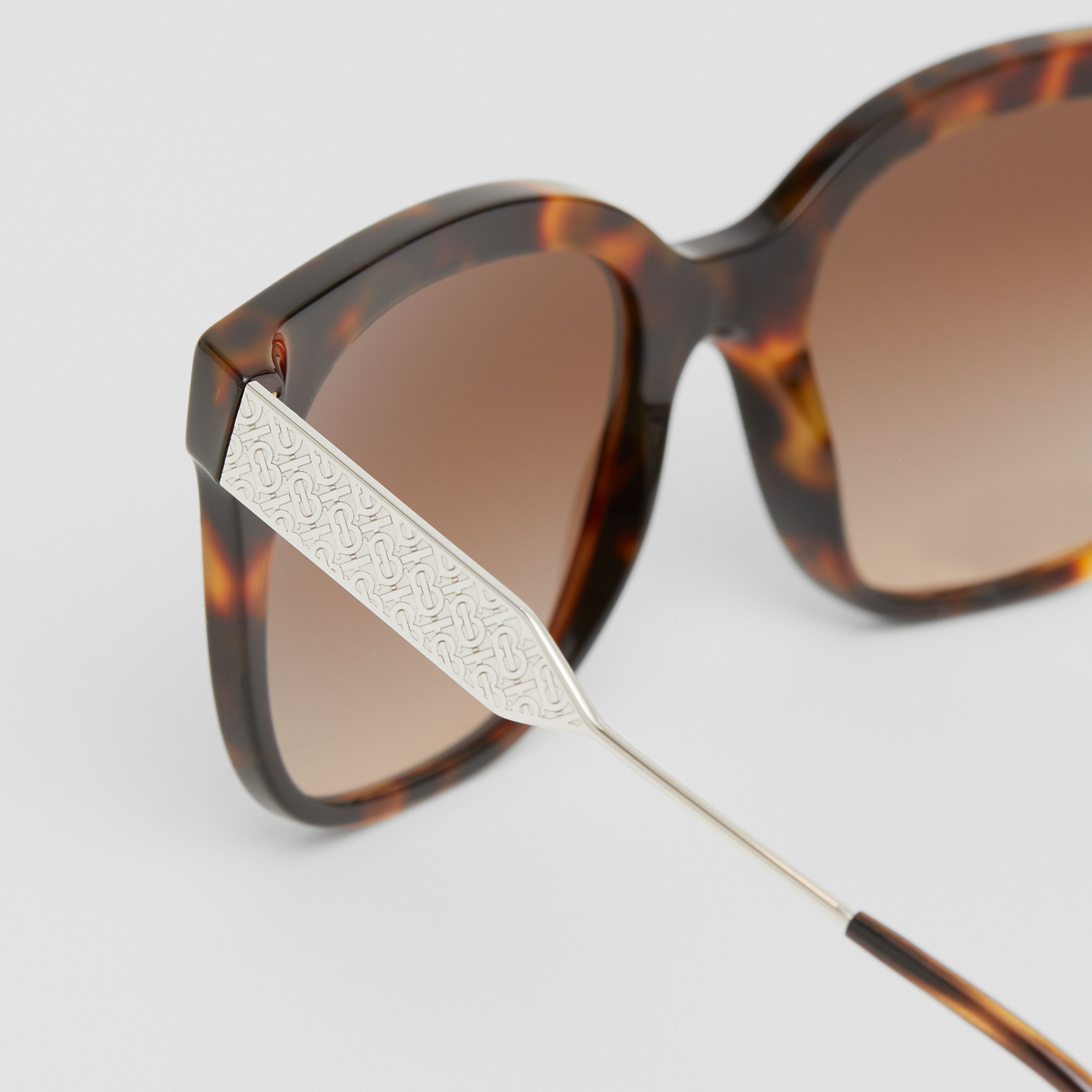 Butterfly Frame Sunglasses in Dark Amber Tortoiseshell - Women | Burberry - 2