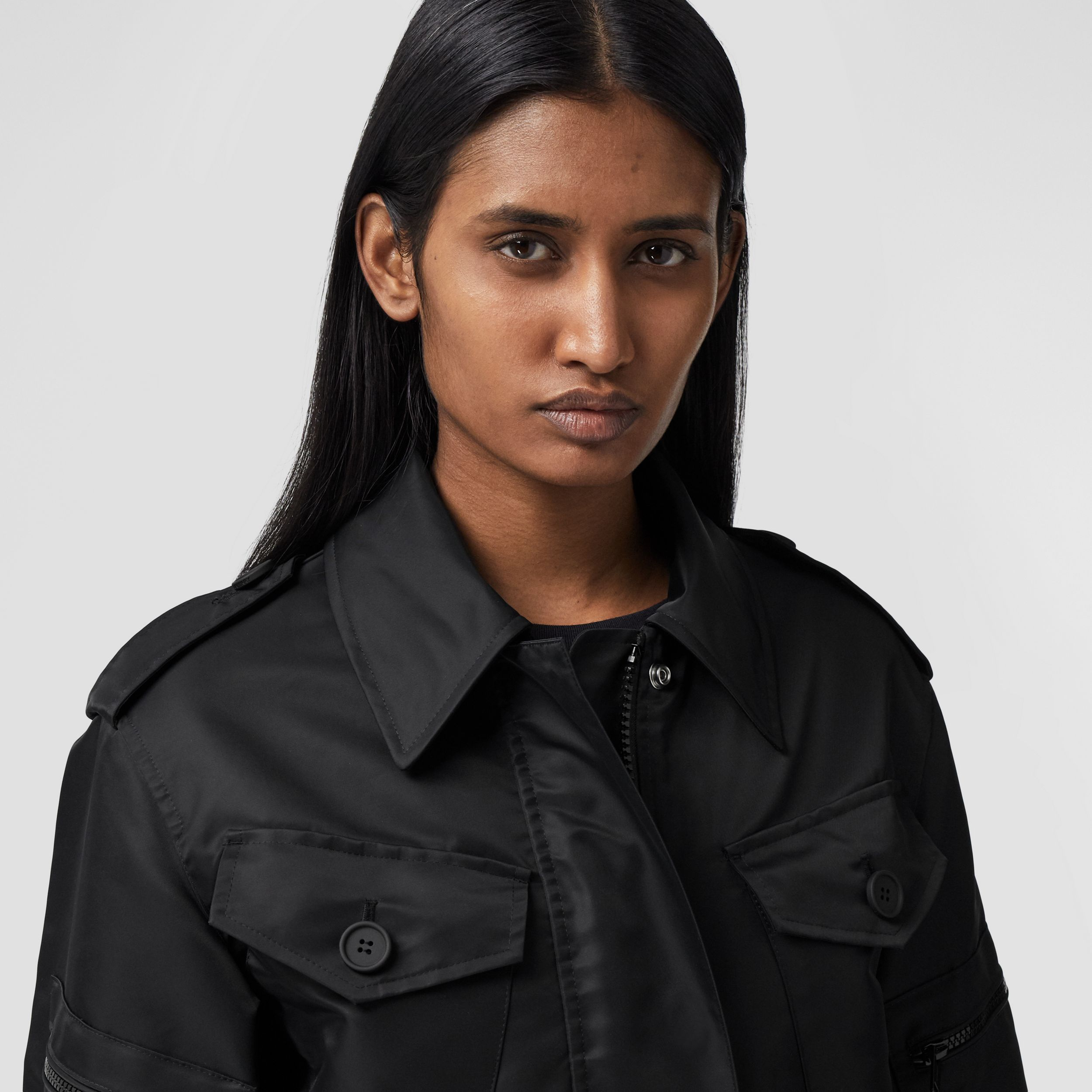Horseferry Print Recycled Nylon Field Jacket in Black - Women | Burberry Hong Kong S.A.R. - 2