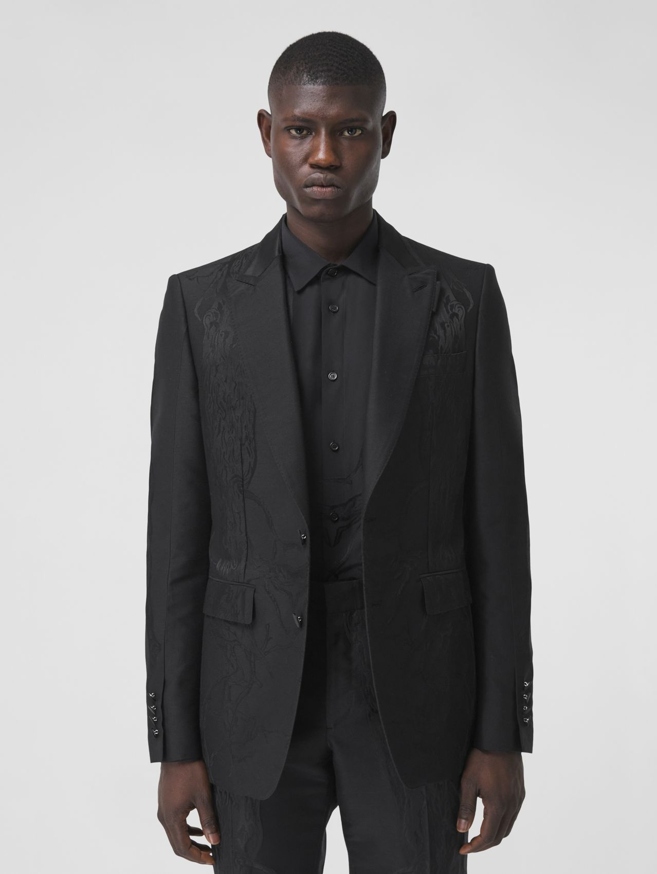 English Fit Wool Silk Blend Jacquard Tailored Jacket in Black