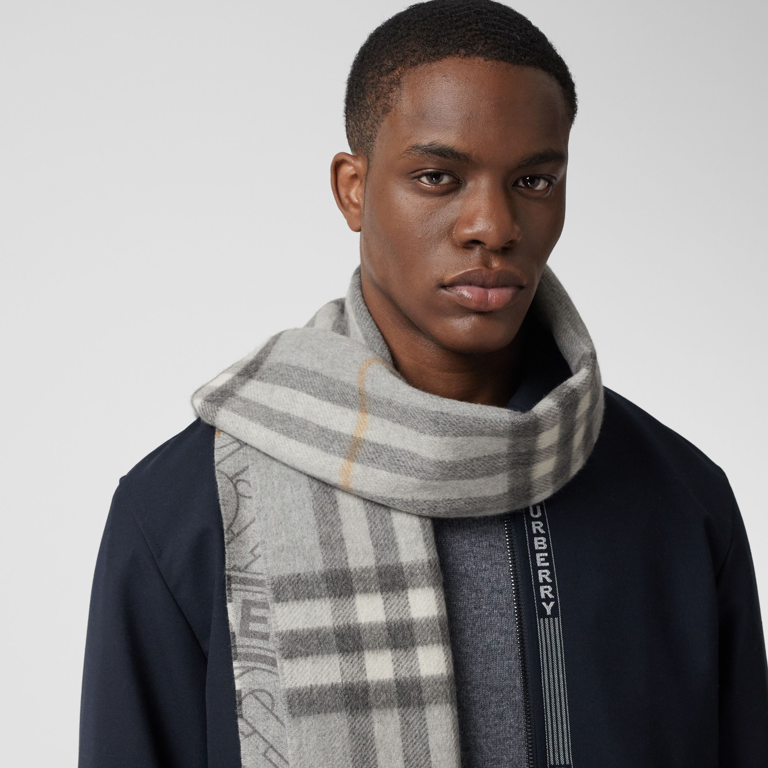 Reversible Check and Monogram Cashmere Scarf in Light Grey | Burberry - 4
