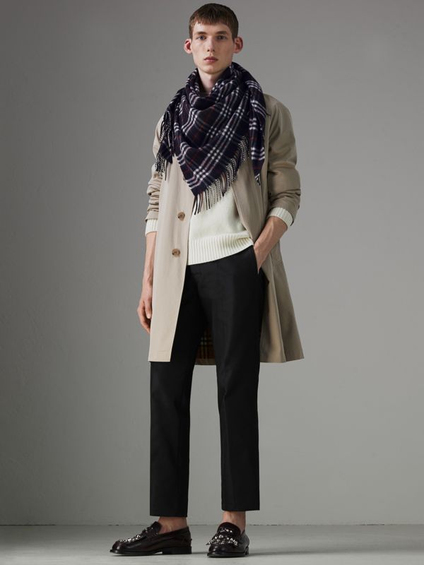 The Burberry Bandana in Check Cashmere in Navy | Burberry Singapore - cell image 2