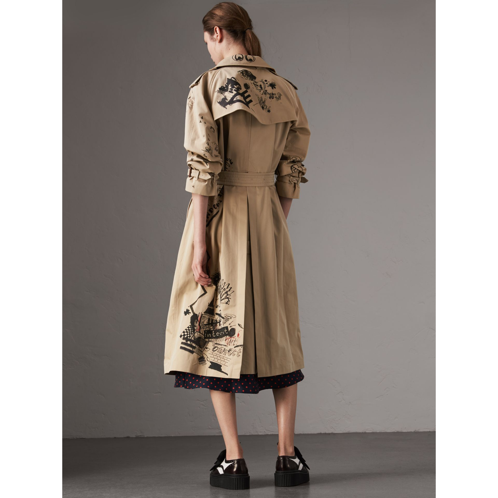 Sketch Print Cotton Gabardine Trench Coat in Honey - Women | Burberry Singapore - gallery image 2