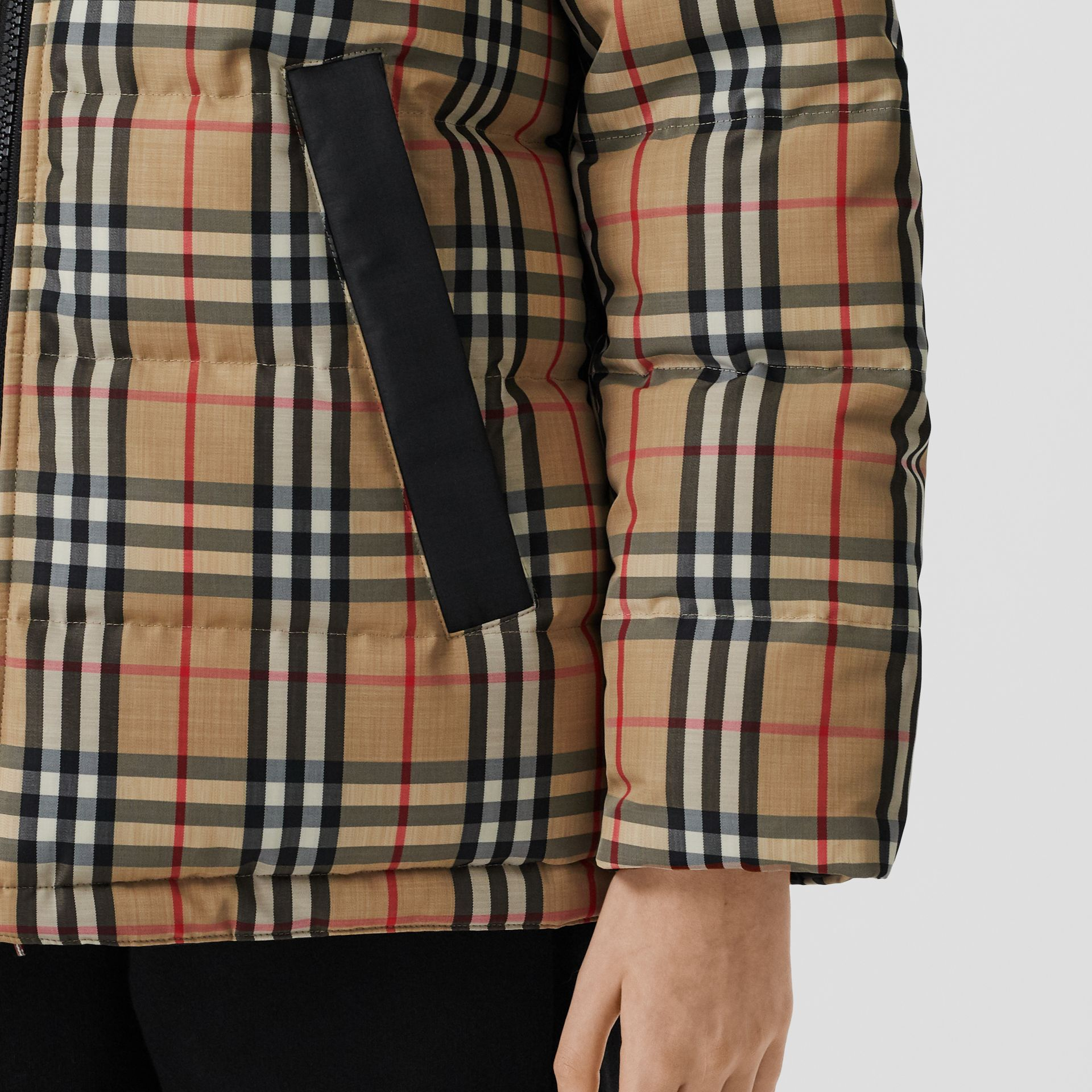 Reversible Vintage Check Recycled Polyester Jacket in Archive Beige - Women | Burberry - gallery image 5