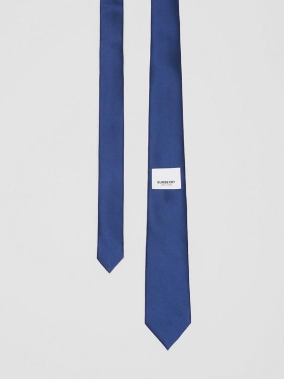 Cravate classique en satin de soie avec logo (Bleu Saphir)