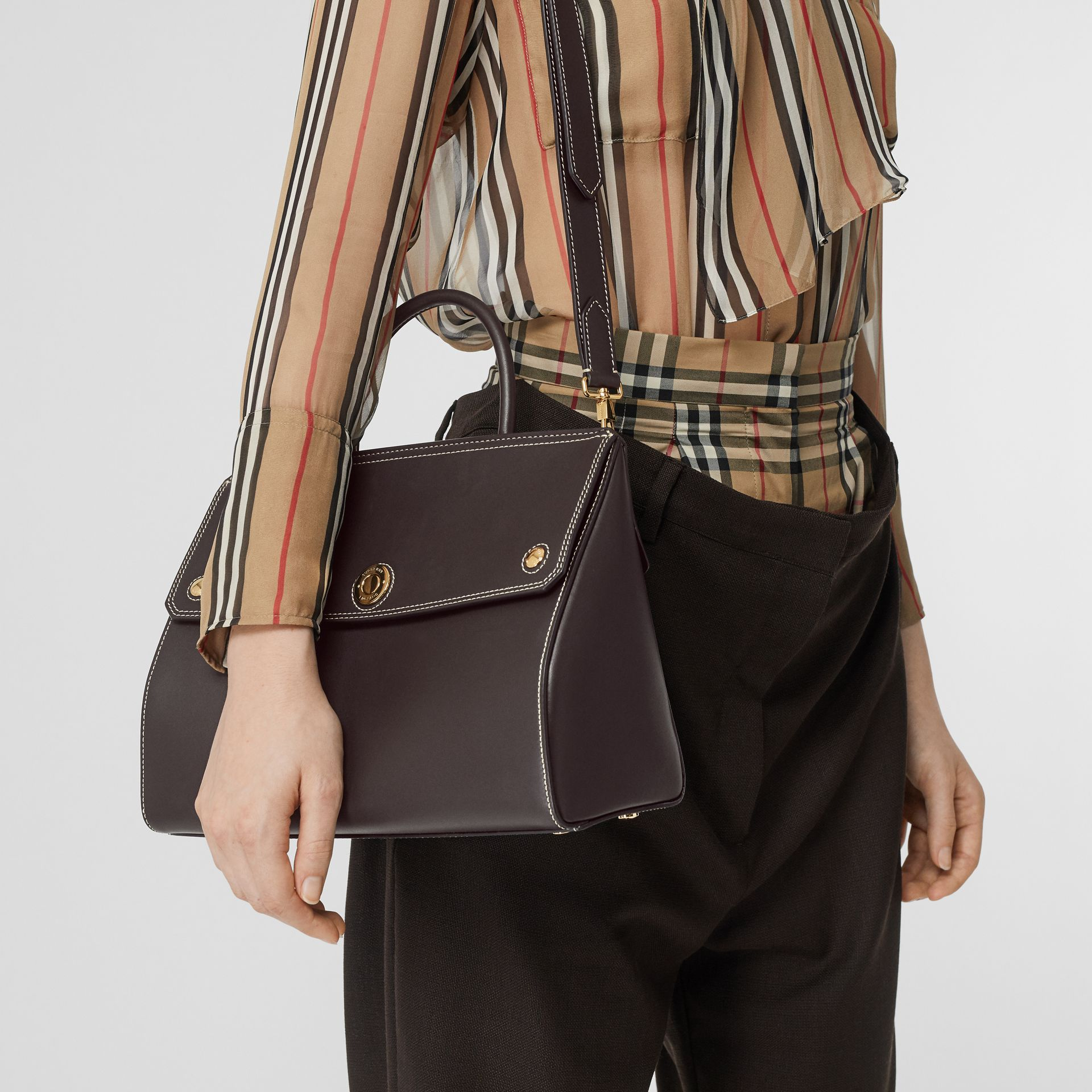 Small Leather Elizabeth Bag in Coffee - Women | Burberry Singapore - gallery image 2