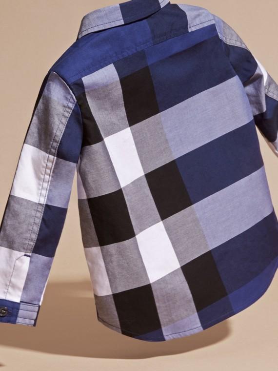 Azul marinho intenso Camisa de algodão com estampa xadrez Azul Marinho Intenso - cell image 3