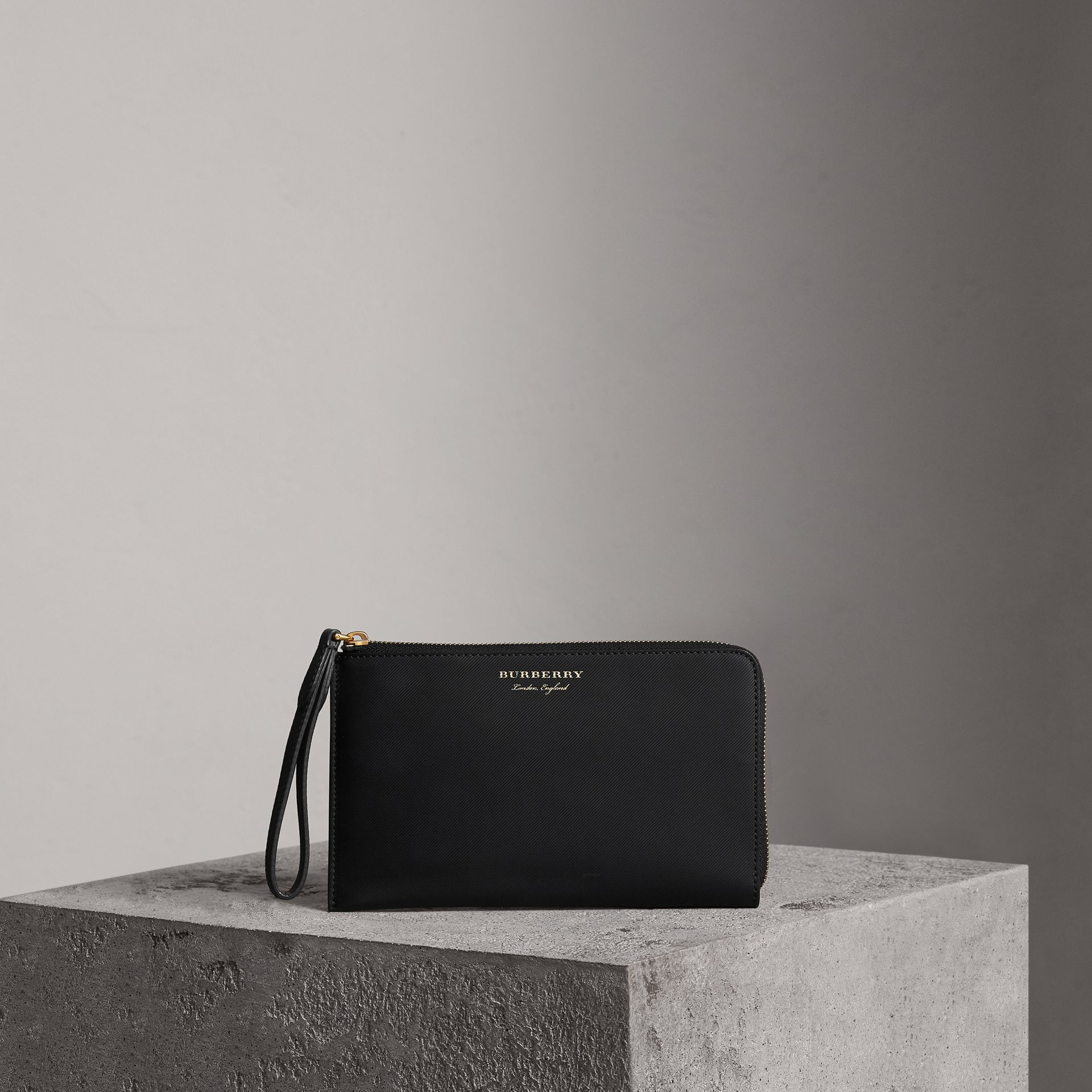 Two-tone Trench Leather Travel Wallet in Black | Burberry - gallery image 0
