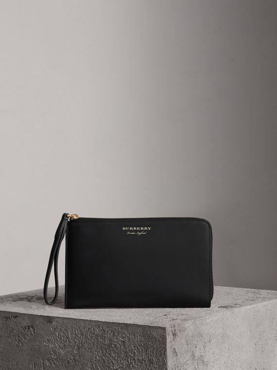 Two-tone Trench Leather Travel Wallet in Black