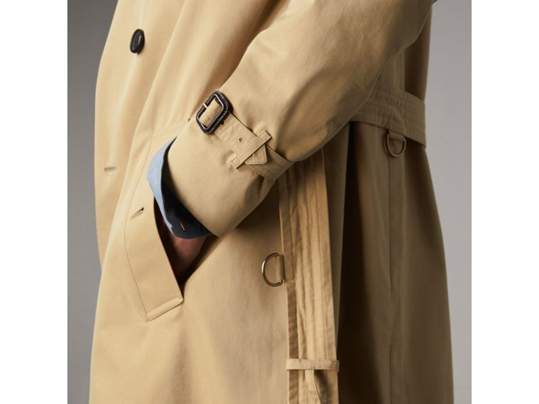 The Kensington – Mid-Length Heritage Trench Coat in Honey - Men | Burberry - cell image 4