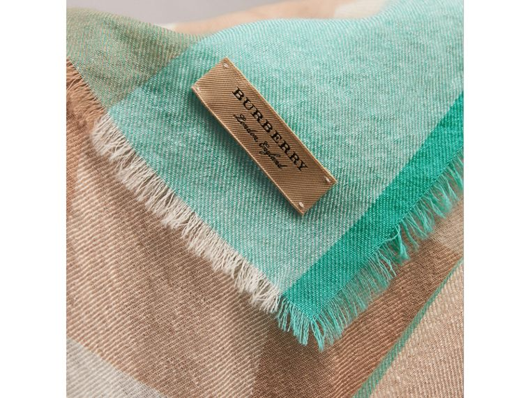 The Lightweight Check Cashmere Scarf in Bright Aqua | Burberry - cell image 1
