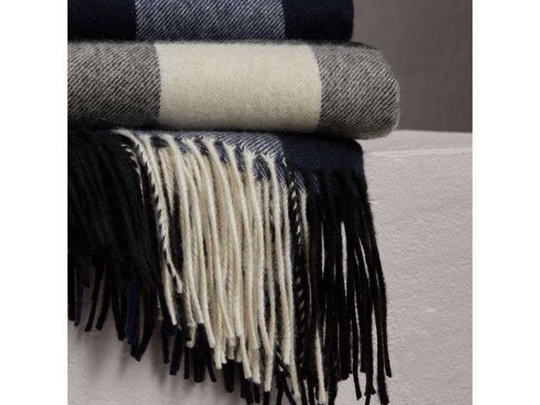 Check Cashmere Blanket in Indigo Blue | Burberry - cell image 1