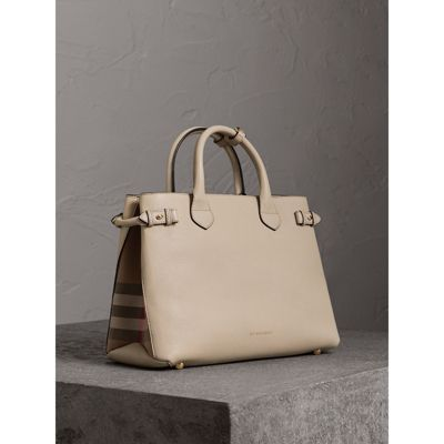 Burberry - Sac The Banner medium en cuir et coton House check - 1