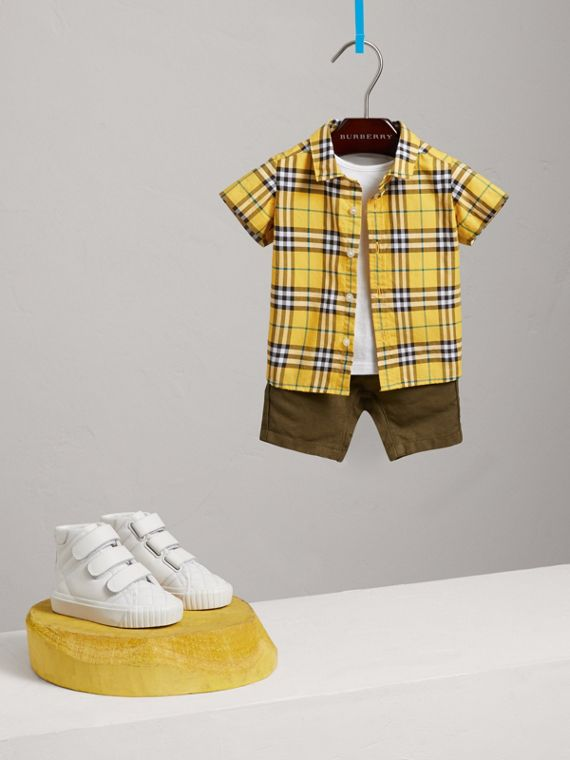Short-sleeve Check Cotton Shirt in Bright Yellow