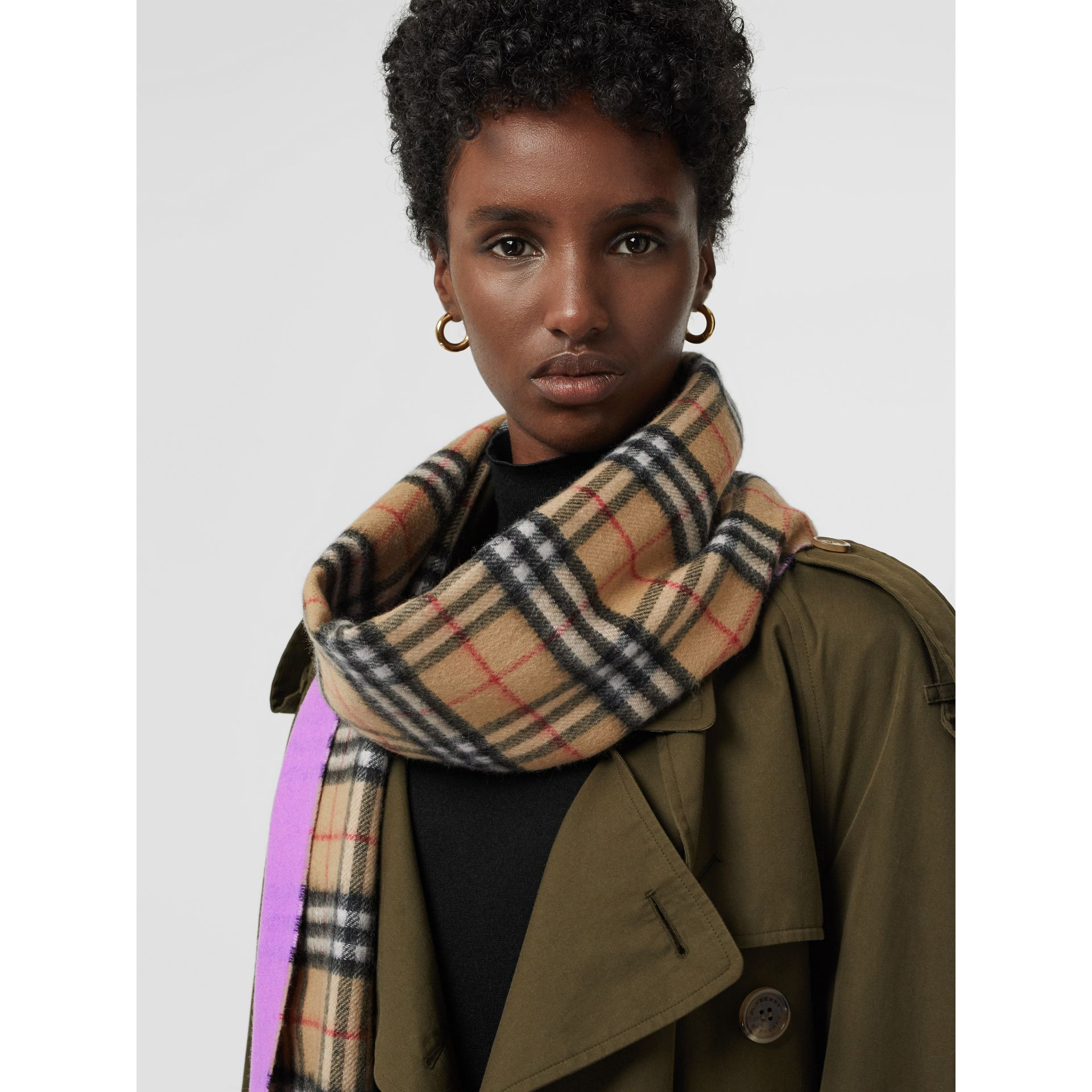 Colour Block Vintage Check Cashmere Scarf in Bright Lilac | Burberry Canada - gallery image 5