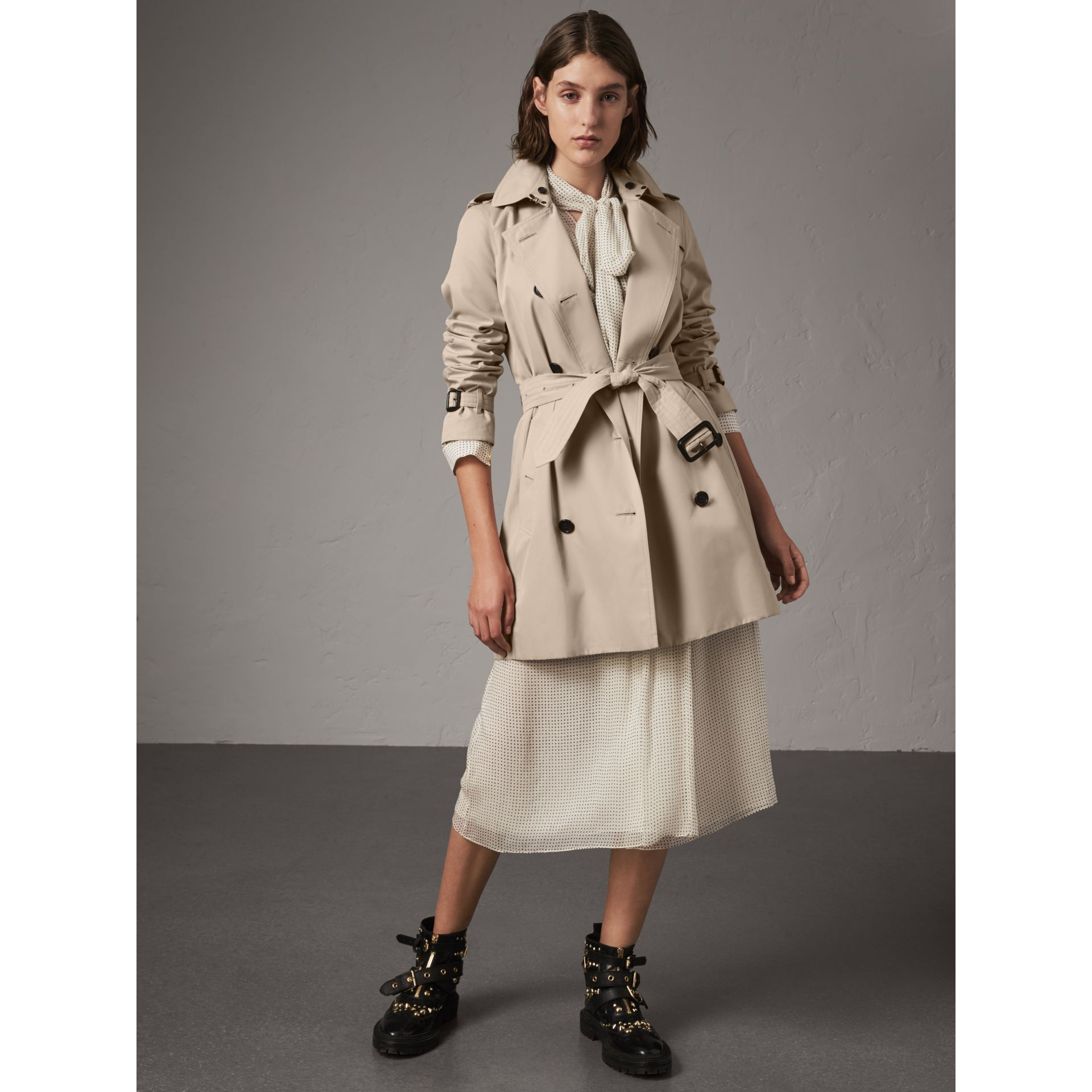 The Kensington – Mid-Length Heritage Trench Coat in Stone - Women | Burberry - gallery image 8